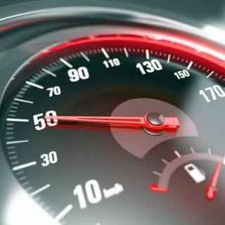 Как определить скорость автомобиля?
