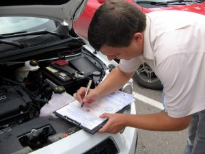 Когда экспертиза стоимости ремонта автомобиля помогает в спорах со страховщиком?